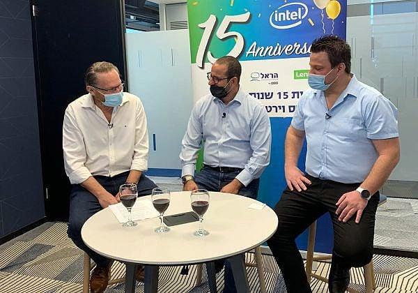 """מימין לשמאל: דני ארז, מנכ""""ל Lenovo DCG ישראל; שלומי אביב, מנכ""""ל VMware ישראל; ויוסי צייגר, מנכ""""ל הראל טכנולוגיות מידע. צילום: יח""""צ"""