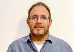 אביב סנסל, מנהל תחום דיגיטל באגף מערכות מידע במקס. צילום: אורנה פרידמן סנסל
