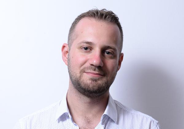 """מארק לחטיק, חוקר אבטחה בכיר בחטיבת המחקר של קספרסקי ישראל צילום: יח""""צ"""