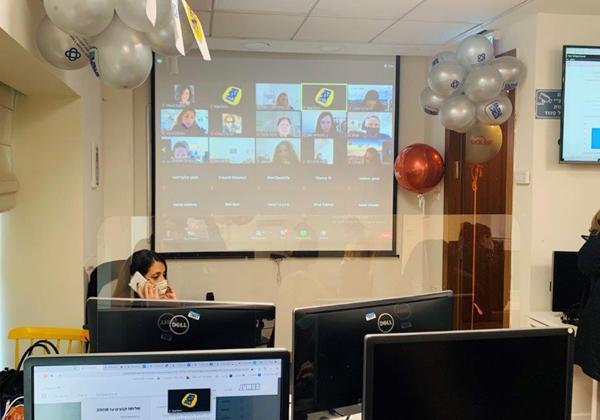 """המוקד של מיזם פופ-אפ לתעסוקה הבוקר (ד'). צילום: יח""""צ"""