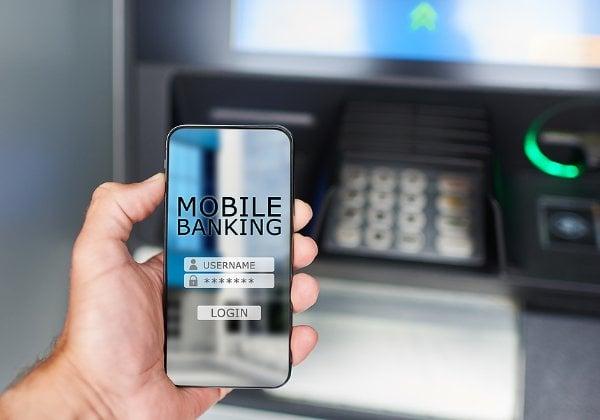 ההאקרים פרצו אליהן וגנבו עשרות מיליוני דולרים - בתוך ימים. אפליקציות בנקאיות. צילום אילוסטרציה: BigStock
