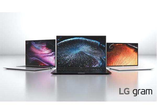 """חלק ממחשבי ה-Gram החדשים של LG. צילום: יח""""צ"""