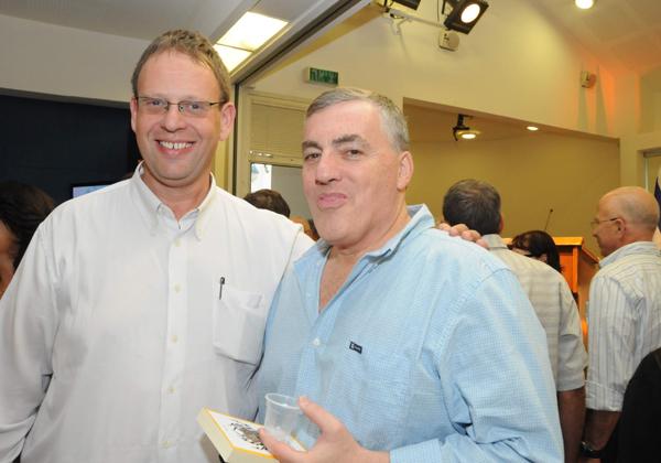 """ועוד חבר טוב אתי בתמונה: עמי הרינג, סמנכ""""ל ומנמ""""ר משרד הביטחון דאז. צילום: קובי קנטור ז""""ל"""