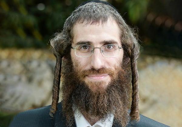 """ישראל קושמרסקי, מנהל אביעה - מרכז קהילה לצעירים. צילום: יח""""צ"""
