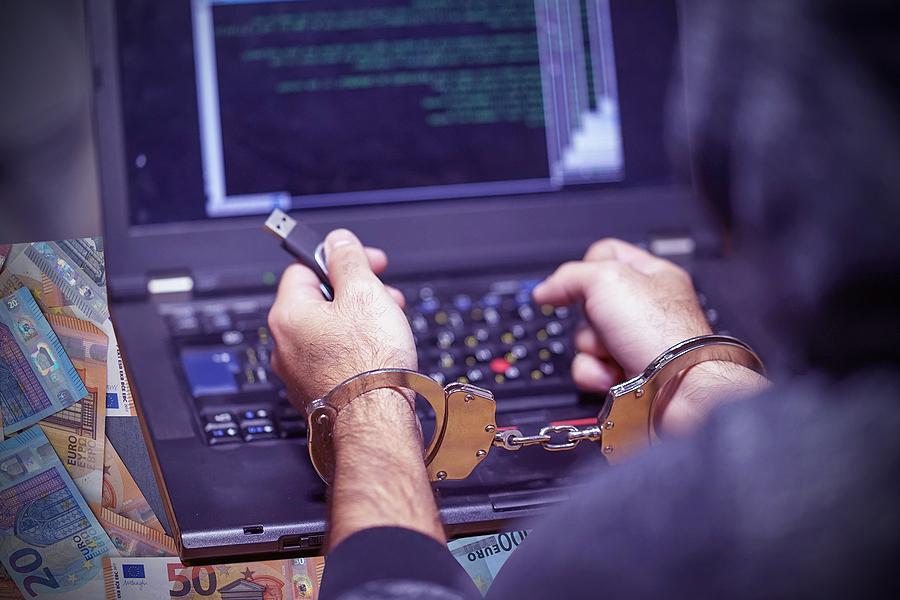 """יישאר בכלא. האקר של דאע""""ש. צילום אילוסטרציה: BigStock"""