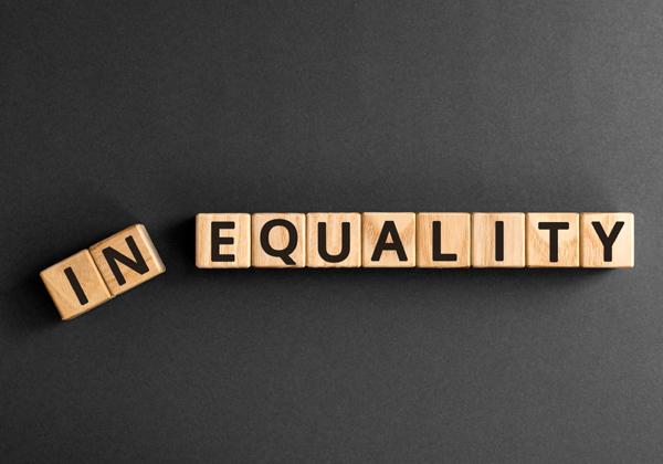 זהירות: הגברת אי השוויון עלולה להיות תוצר שלילי של הבינה המלאכותית. מקור: BigStock