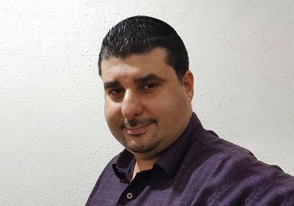 אבינועם צ'פלאוי, מנהל מחלקת הפריסייל בהראל טכנולוגיות מידע. צילום עצמי
