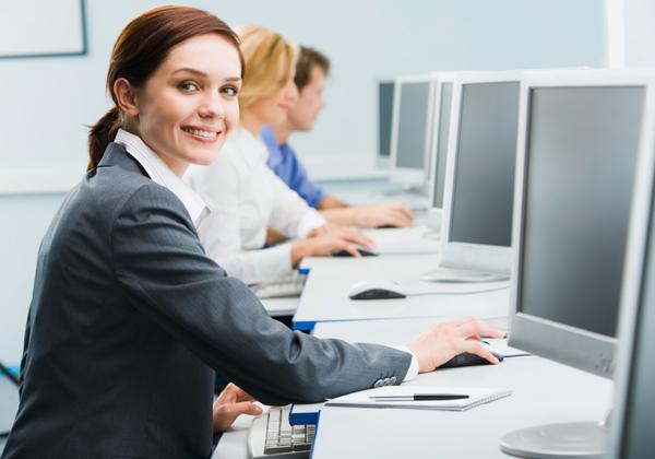 דרוש - ורצוי - ייצוג נשי נרחב יותר, הן באופן ספייס והן בחדרי ההנהלה הבכירה. צילום: BigStock