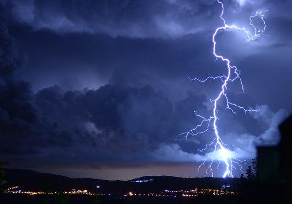 להתכונן לקראת הפסקות החשמל בסופה שבדרך. צילום אילוסטרציה: BigStock
