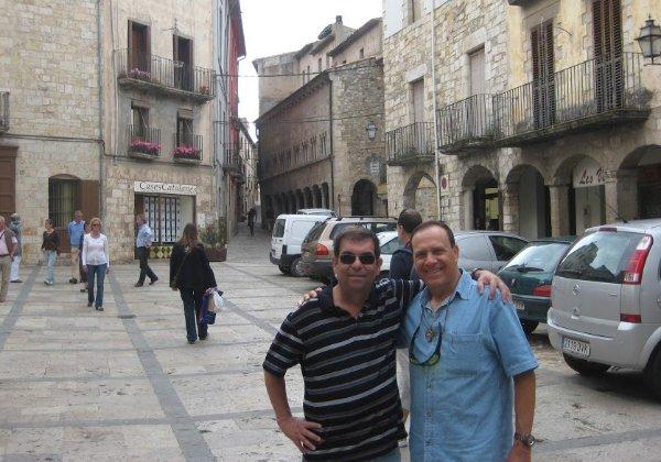 עם פלי הנמר ברחובות רומא