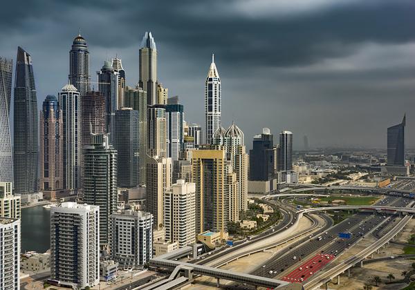 רחפנים יביאו גשם לדובאי? צילום: Bigstock
