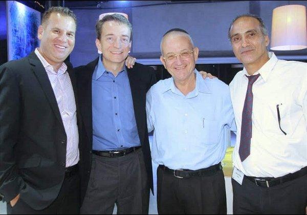 עם פט גלסינגר, איקו חסון ונחום כהן, במפגש בכנס לקוחות בתל אביב. צילום: פלי הנמר