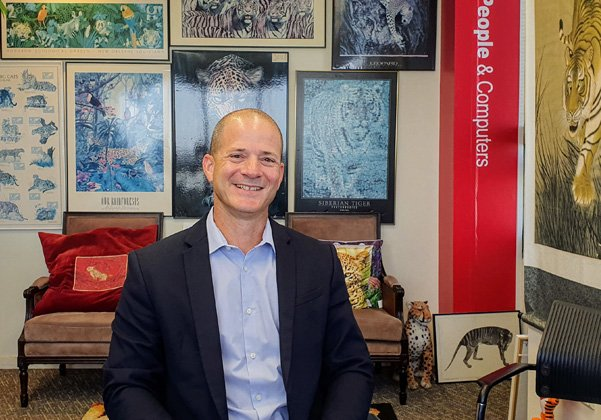 """מבקר במאורת הנמר: אריאל סלפטר, חבר הנהלה וסמנכ""""ל החטיבה המסחרית במיקרוסופט ישראל. צילום: פלי הנמר"""