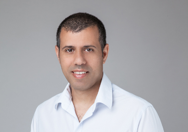 """טל כהן, סמנכ""""ל הטכנולוגיות והדיגיטל של הראל המשמר מחשבים. צילום: רוני פרל"""