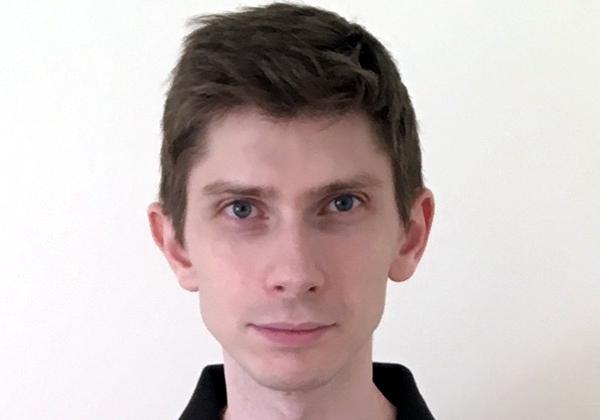 """יונתן שמאמא, מדען נתונים בקבוצת הדטה וה-ML באולקלאוד. צילום: יח""""צ"""