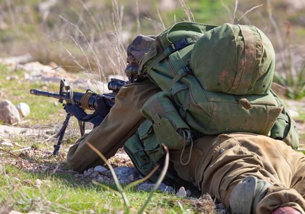 יש מי שמסייעים לחיילים הבודדים גם אחרי שהם פושטים את המדים. צילום אילוסטרציה: BigStock. למצולם אין כל קשר לכתבה