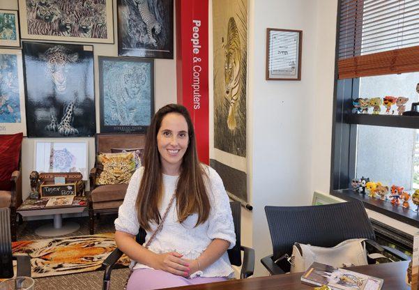אביגיל מיכלסון, מנהלת השיווק של קמא-טק. צילום: פלי הנמר