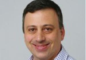 """ד""""ר יעקב זאוברמן, רופא נוירוכירורגיה בכיר בבית החולים שיבא. צילום: דוברות בית החולים"""