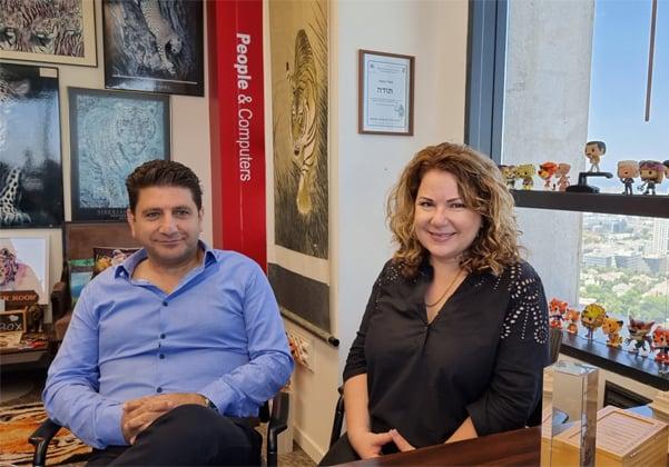 מימין: ליאת אילת ומאיר דניאל, וויידאופס. צילום: פלי הנמר
