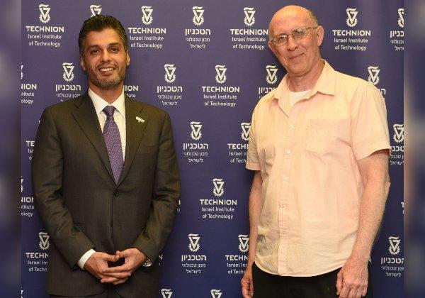 השגריר (משמאל) עם פרופ' רובינשטיין, המשנה לנשיא הטכניון למחקר. צילום: רמי שלוש, דוברות הטכניון