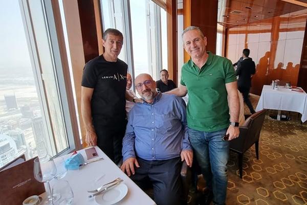 """מימין: יאיר אריאלי – סמנכ""""ל השיווק והמכירות של ITNAVpro, אמיר סוסיק – מנהל Avaya Professional Services ורפי שקולניק – מנכ""""ל הפעילות העסקית של אוויה ישראל. צילום: פלי הנמר"""