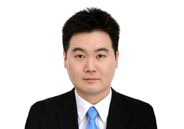 """קוואק קיונק-סיק, המזכיר השני בשגרירות דרום קוריאה בתל אביב. צילום: יח""""צ"""