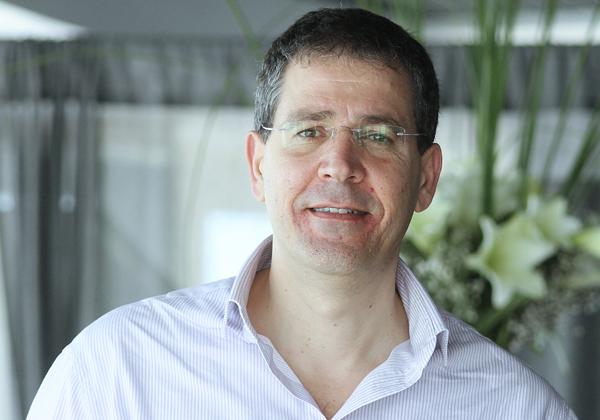 "שמעון אמויאל, מנכ""ל אבנט תקשורת. צילום: יח""צ"
