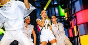 שירי מימון קורעת את הבמה באירוע של מיקרוסופט בגני התערוכה, אמש (א'). צילום: תומר פולטין ומרק צורף