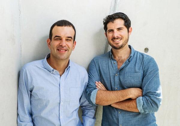 """היזמים. מימין: עמרי שטרן, מנכ""""ל, ומיכאל רודמן, סמנכ""""ל הטכנולוגיות - ג'ונס. צילום: ג'ונס"""
