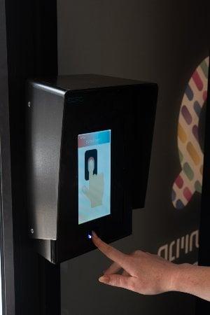 מנגנון הזיהוי הביומטרי של Q, חנות אוטונטמית ללא קופה. צילום: ארז חיים