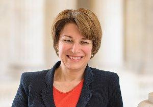 הסנאטורית הדמוקרטית האמריקנית איימי קלובצ'ר. צילום: ויקיפדיה