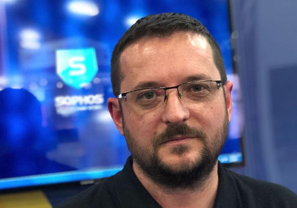 """פיטר מקנזי, מנהל צוות התגובה לאיומי סייבר, סופוס. צילום: יח""""צ"""