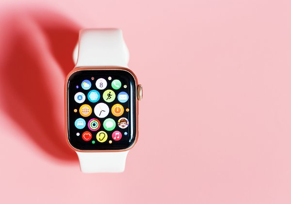 לא רק תכונות כושר לצעירים. ה-Apple Watch. צילום: BigStock