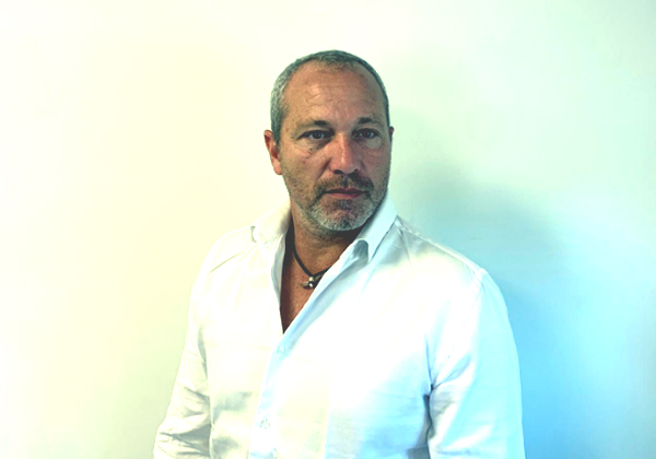 """טל ויזר, סמנכ""""ל המכירות של פינסטרה. צילום: קרן אבריאל"""