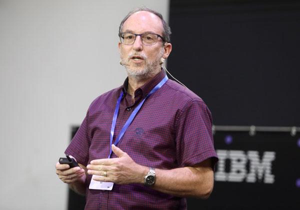 רענן רויטלינגר, ארכיטקט פתרונות ביג דטה ו-AI ביבמ ישראל. צילום: ניב קנטור