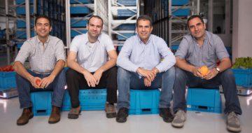 """מייסדי פבריק: מימין - אלרם גורן, המנכ""""ל, שי כהן, אורי אברהם ואייל גורן."""