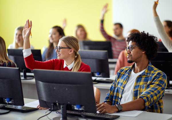 מי רוצה ללמוד וגם לעבוד? צילום אילוסטרציה: BigStock